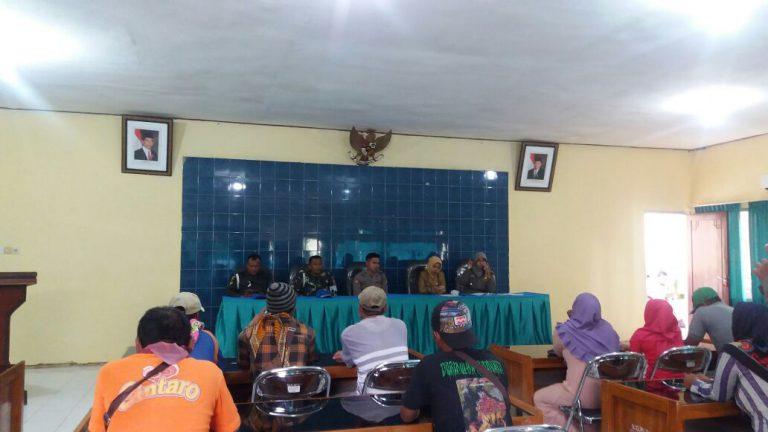 Pemkab Kumpulkan PKL DI Jalan Rajawali, Sosialisasikan Area Yang Larangan