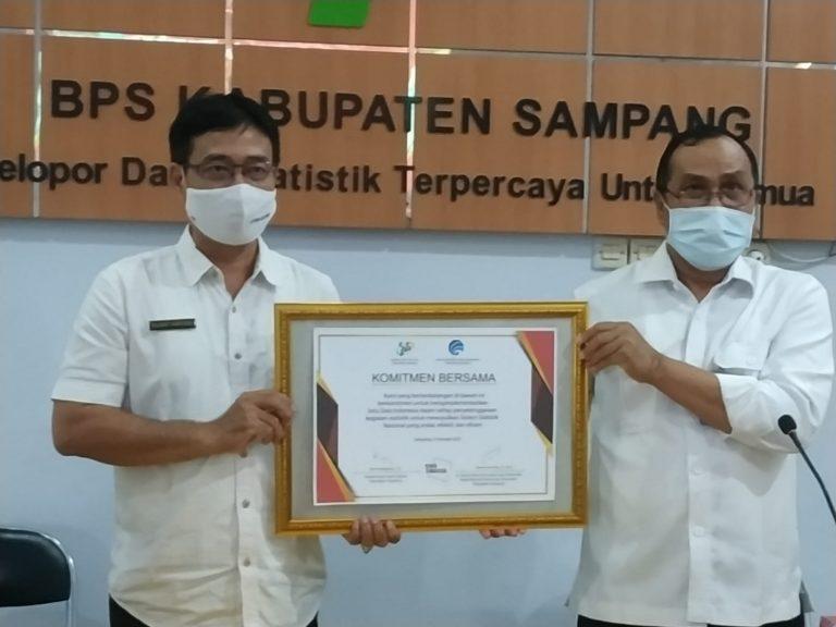 STATISTIK dan PERSANDIAN- Diskominfo Kabupaten Sampang menjalin komitmen bersama dengan BPS Kabupaten Sampang